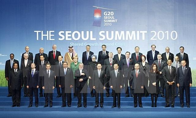 Tháng 11/2010, Thủ tướng Chính phủ Việt Nam khi đó là ông Nguyễn Tấn Dũng dự Lễ khai mạc Hội nghị Cấp cao G20 tại Seoul (Hàn Quốc). (Ảnh: Đức Tám/TTXVN)