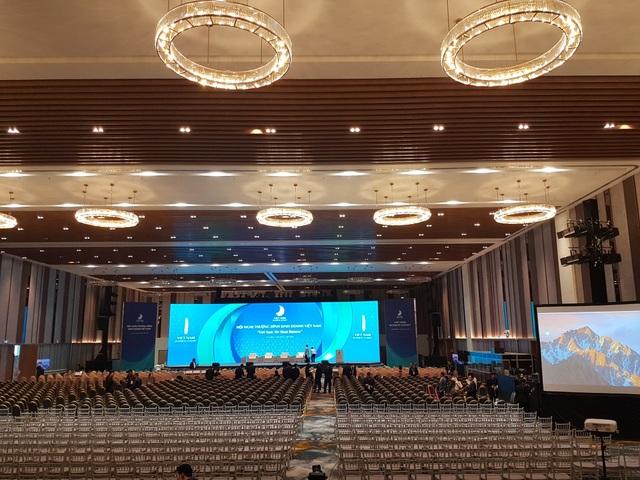 Quang cảnh trước giờ khai mạc Hội nghị Thượng đỉnh kinh doanh Việt Nam