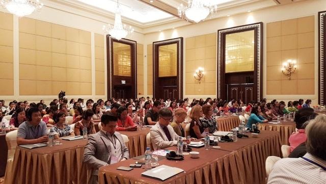 Nhiều vấn đề trong điều trị ung thư vú trẻ - vấn đề nổi cộm hiện nay tại Việt Nam đã được nhiều đồng nghiệp trên thế giới chia sẻ kinh nghiệm tại Hội nghị