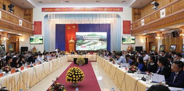Hội thảo xúc tiến đầu tư các sản phẩm du lịch của tỉnh Yên Bái là một hoạt động hưởng ứng năm du lịch Quốc gia 2017 Lào Cai - Tây Bắc.