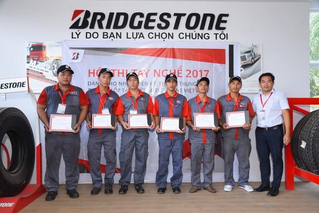 Hội thi tay nghề của Bridgestone là cơ hội để kĩ thuật viên học hỏi, thực hành thực tế, trao đổi kinh nghiệm và cách xử lý những tình huống khó