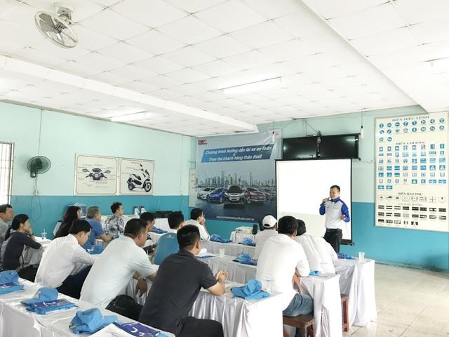 Honda Việt Nam khuyến khích các đại lý hướng dẫn lái xe an toàn cho khách hàng - 2