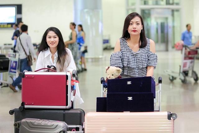 Hồng Ánh, Ngọc Thanh Tâm rạng rỡ về nước sau thành công tại LHP ASEAN - AIFFA 2017 - 1