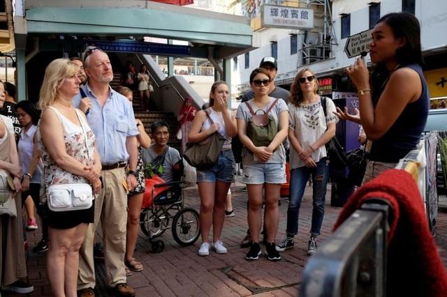Tour trải nghiệm cuộc sống khốn khó của một bộ phận người dân Hong Kong