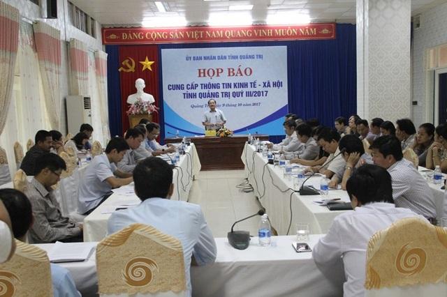 Ông Nguyễn Quân Chính, Phó Chủ tịch UBND tỉnh Quảng Trị chủ trì phiên họp