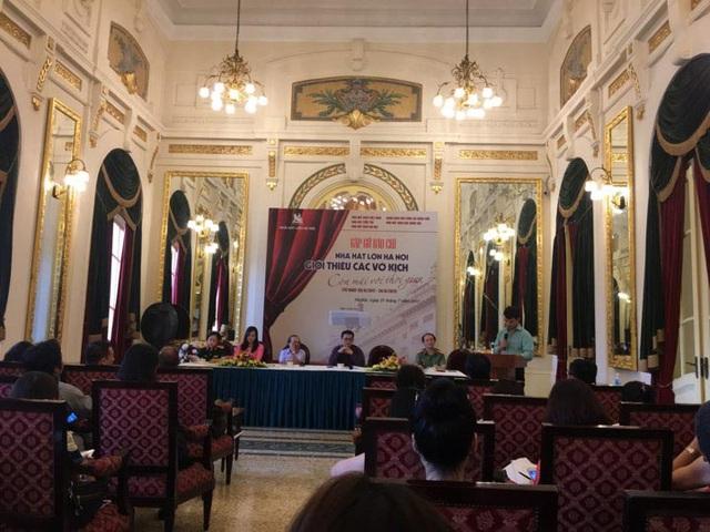 Toàn cảnh buổi họp báo giới thiệu các vở kịch còn mãi với thời gian tại Nhà hát Lớn Hà Nội.