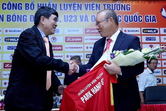 HLV Park Hang Seo sẽ dự khán trận đấu có Công Phượng, Tuấn Anh thi đấu