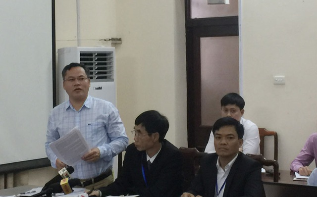Thượng tá Nguyễn Văn Long - Phó Giám đốc Công an tỉnh Bắc Ninh (đứng) - thông tin tại buổi họp báo.