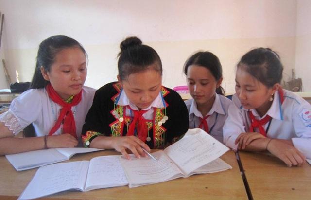 Hiện nay nhiều học sinh từ năm học 2014-2015 của huyện nghèo 30a Tương Dương vẫn chưa được hưởng tiền Nhà nước hỗ trợ theo Nghị định 74.