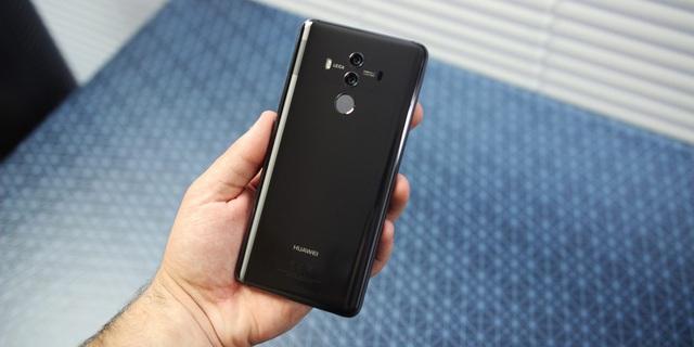 Huawei cũng hứa hẹn sẽ tấn công thị trường Mỹ với bản Mate 10 cao cấp.