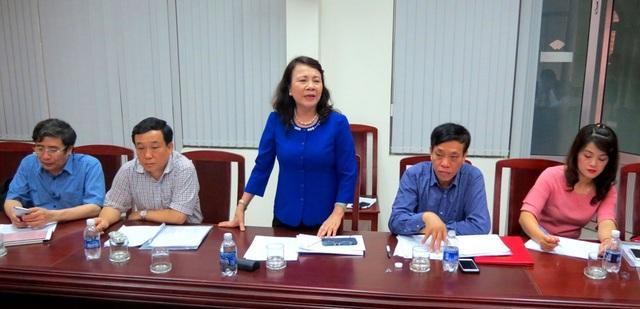 Thứ trưởng Nghĩa chỉ đạo cụm thi tỉnh Thừa Thiên Huế trong buổi làm việc