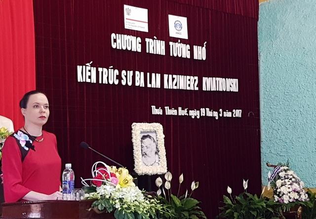 Bà Barbara Szymanowska, Đại sứ Đặc mệnh toàn quyền nước Cộng hòa Ba Lan tại Việt Nam phát biểu