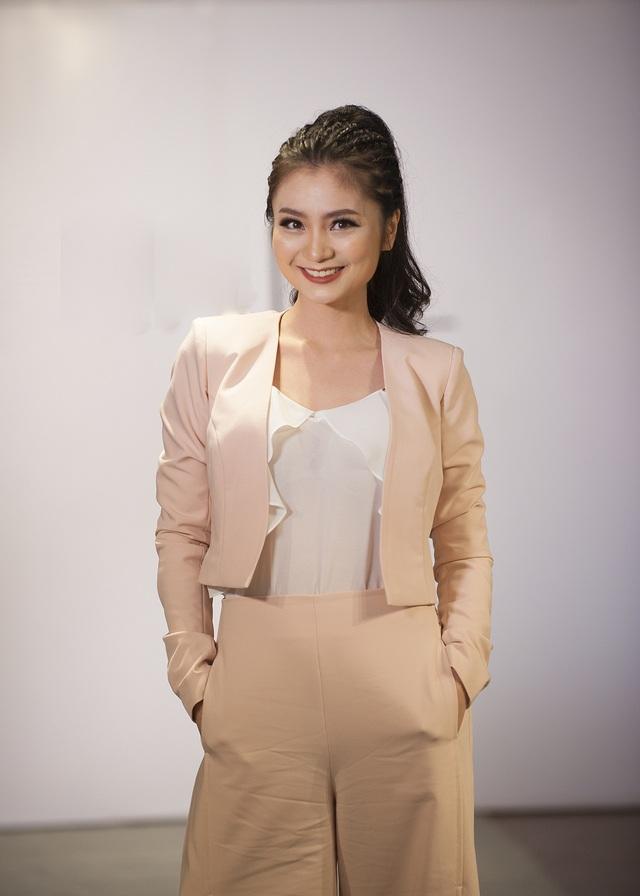 Nữ diễn viên Diệu Hương đẹp viên mãn.