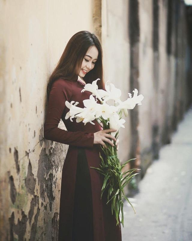 Á khôi Đại học Nội vụ yêu kiều bên sắc hoa loa kèn - 12