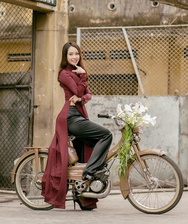 Á khôi Đại học Nội vụ yêu kiều bên sắc hoa loa kèn - 6