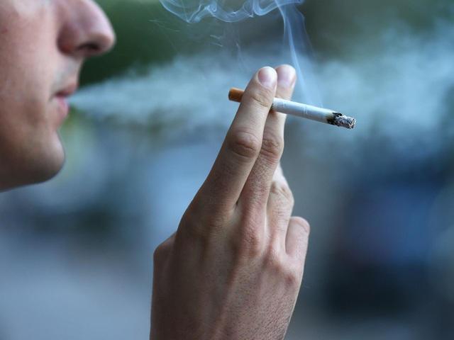 Vì sao không phải ai cũng bị bệnh COPD khi hút thuốc lá? - 1