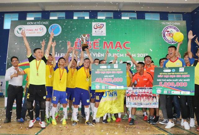 Đại học Hutech vô địch giải futsal sinh viên TPHCM 2017 - 1