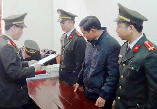 Cơ quan An ninh điều tra, Công an tỉnh Thanh Hóa thi hành lệnh bắt tạm giam 2 tháng đối với Đinh Trọng Tấn