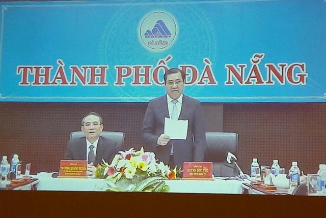 Chủ tịch Huỳnh Đức Thơ báo cáo từ điểm cầu Đà Nẵng.