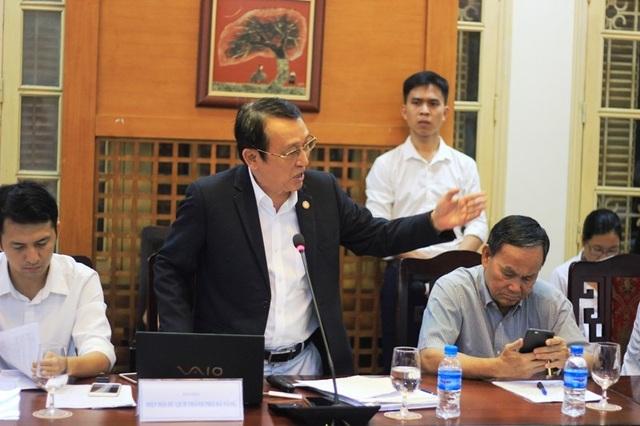 Ông Huỳnh Tấn Vinh phát biểu tại buổi tọa đàm ngày 30/5 về quy hoạch bán đảo Sơn Trà. Ảnh: VT.