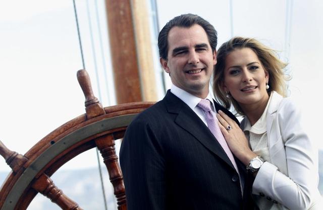 Hoàng tử Hy Lạp Nikolaos và hôn thê Tatiana Blatnik cũng là một trong số các cặp đôi kết hôn khi một trong hai người không xuất thân từ gia đình hoàng tộc.