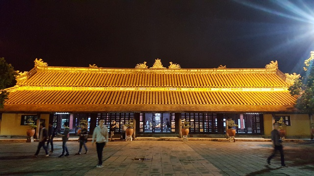 Tòa nhà chính uy nghi ở Cung Diên Thọ