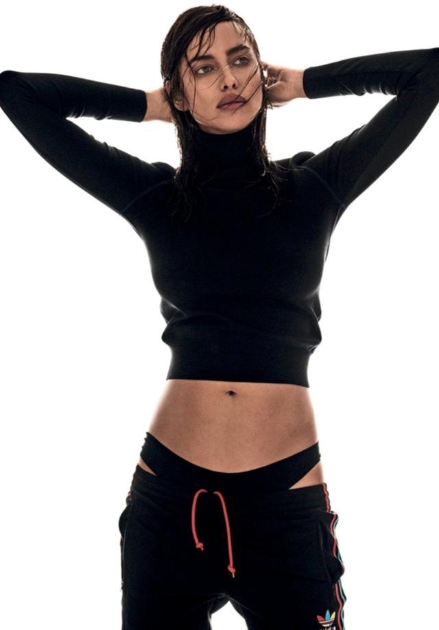 Irina Shayk, 30 tuổi là một trong những siêu mẫu áo tắm hàng đầu thế giới