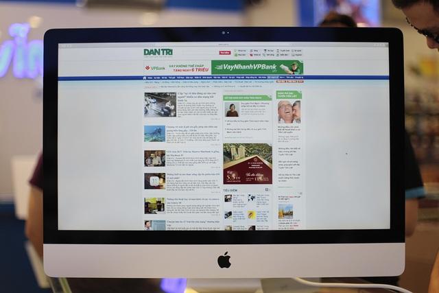 Màn hình này sử dụng công nghệ Retina đạt độ phân giải 5K (5120x2880). Apple cũng cho biết, iMac mới là mẫu máy tính Mac có màn hình hiển thị tốt nhất từ trước đến nay, sáng hơn 43% (lên đến 500 nits) so với thế hệ cũ.