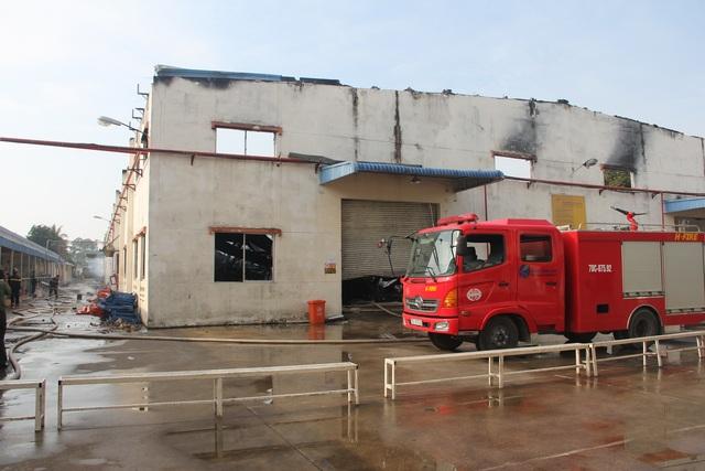 Công an Tây Ninh phải xin hỗ trợ từ lực lượng chữa cháy từ TPHCM