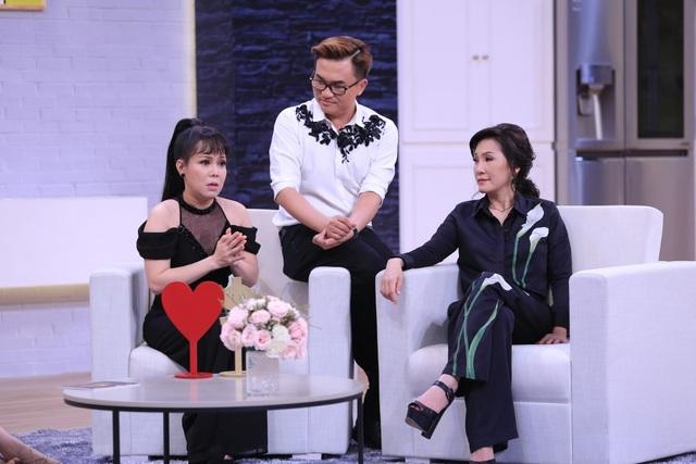 """Sau 12 năm chung sống, vấn đề """"tình – tiền"""" giữa Minh Khang và Thúy Hạnh bị """"biệt đội cố vấn"""" trong chương trình đem ra mổ xẻ thì Thúy Hạnh như trút được nỗi lòng."""