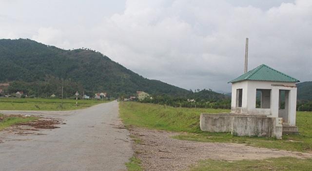 Dự án 4 triệu đô, tan tành duy nhất con đường nhựa được UBND tỉnh đầu tư xây dựng kéo dài 9km từ QL7 chạy vòng trong vùng trồng chuối nên người dân được hưởng lợi.