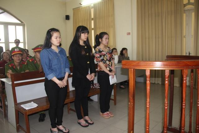 Ba bị cáo tại phiên tòa sơ thẩm