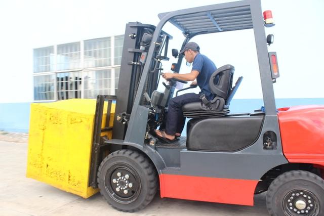 Chạy thử xe với trọng tải nâng thực tế trong vòng 16-18 tiếng trước khi giao xe cho khách