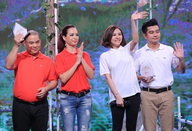 """Trong chương trình """"Là vợ phải thế"""", cùng với vợ chồng Minh Khang, Thúy Hạnh thì cặp đôi Vân Trang - Hữu Quân cũng có nhiều chia sẻ thú vị về chuyện tình cảm khi mới quen nhau."""