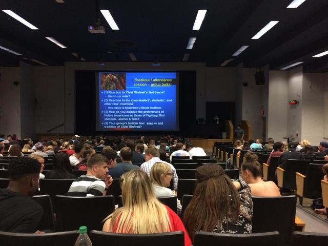 Quang cảnh một buổi học tại ĐH Arizona, Mỹ