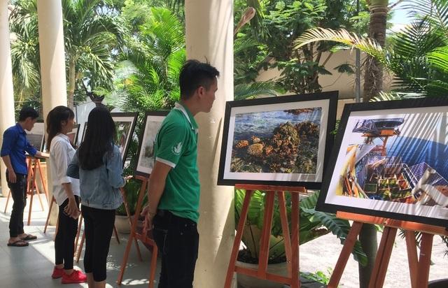 Các tác phẩm ảnh đảo bồi đắp tình yêu và niềm tự hào của tuổi trẻ với biển, đảo quê hương.