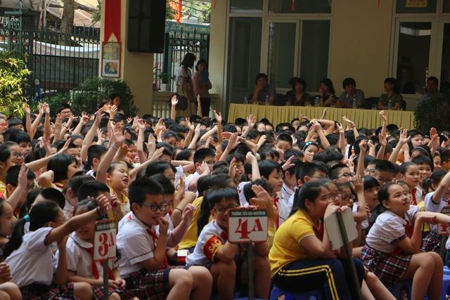 Học sinh Trường tiểu học Nguyễn Du háo hức tại buổi tập huấn (Ảnh: Q. Quyên)