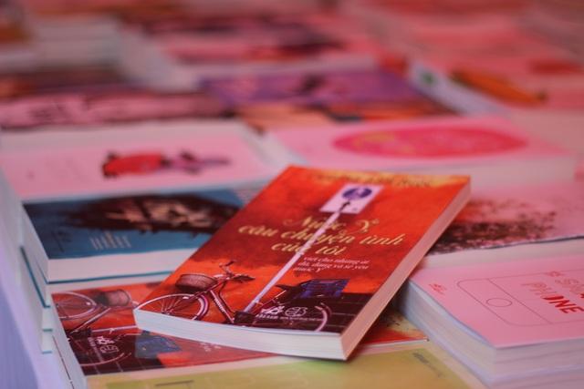 """ĐH Ngoại thương: Tưng bừng """"Ngày hội sách cho sinh viên 2017"""" - 4"""