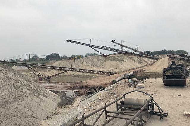 Ông Nguyễn Thiện Nhân yêu cầu Hà Nội giải quyết 82 điểm khai thác cát có diễn biến phức tạp