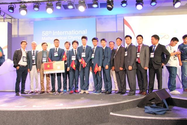 Đoàn Việt Nam tham dự Olympic Toán học quốc tế năm 2017