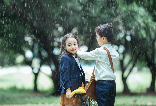 """""""Em gái mưa"""" phiên bản nhí khiến ca sĩ Hương Tràm cũng phải trầm trồ - 17"""