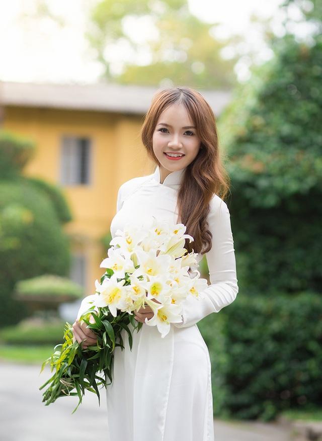 Nguyễn Thị Thương (sinh năm 1995) được sinh ra tại một vùng quê nghèo xã Văn Hóa (Tuyên Hóa, Quảng Bình).