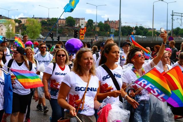 Theo Cơ quan xúc tiến hình ảnh và du lịch của thành phố, Visit Stockholm, cuộc diễu hành cũng du khách đến với một thành phố thân thiện, hiếu khách.