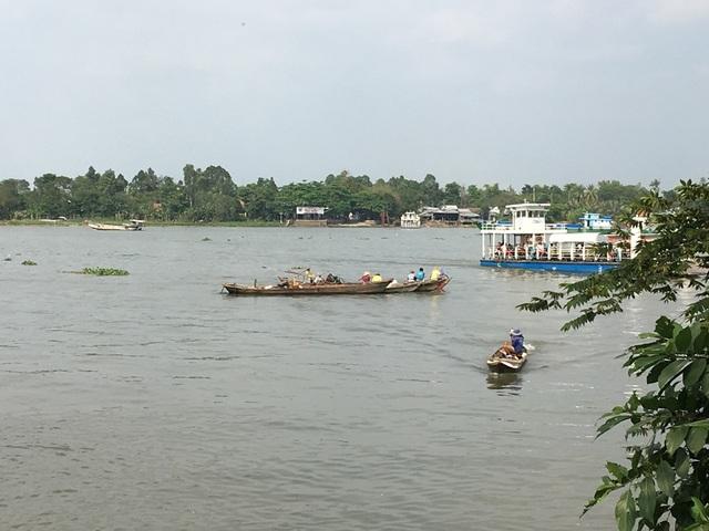 Lực lượng chức năng tổ chức tìm kiếm thi thể anh Nguyễn Ngọc Thanh