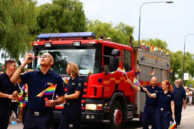 """Diễu hành ủng hộ bình đẳng giới """"đốt nóng"""" Stockholm - 18"""