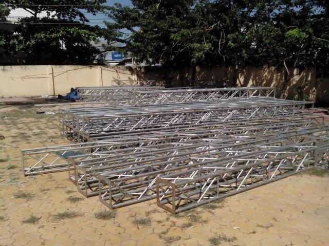 Những khung thép lớn bị tên trộm dùng xe tải chở vào TPHCM bán ve chai