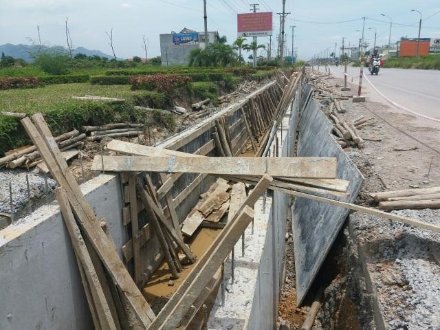 Cầu, cống thi công dang dở rồi để đấy tại Kim Sơn, Đông Triều