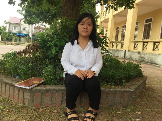 Em Nguyễn Thị Thu Hằng - nữ sinh khuyết tật giành 28,25 điểm khối B trong kỳ thi THPT Quốc gia vừa qua.