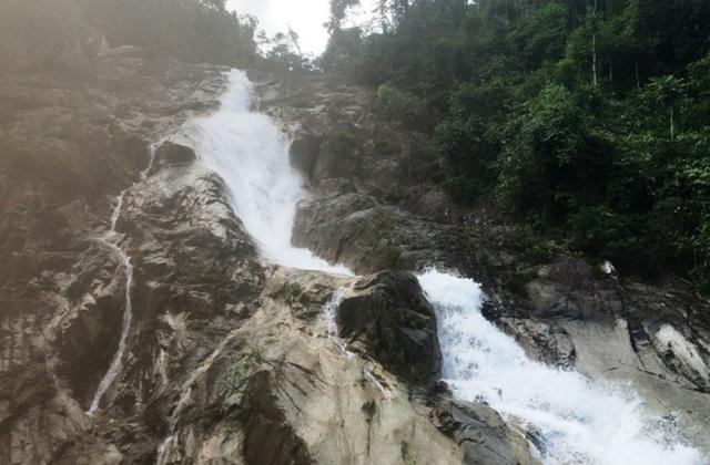 Thác Ma Hao (Thác Chó ngáp), một dòng thác nguyên sơ, hùng vĩ của huyện Lang Chánh
