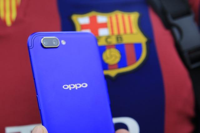 Trên tay Oppo R11 phiên bản FC Barcelona Edition tại Việt Nam - 8